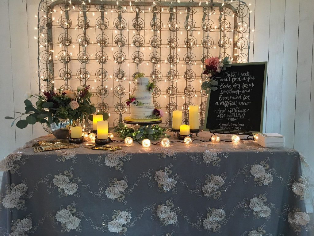 Fall Wedding Cake table